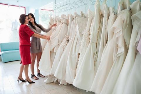 Как выбрать свадебное платье не разбив копилку?