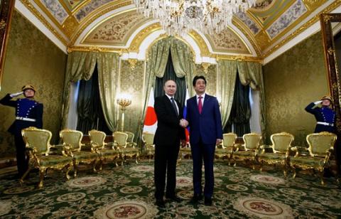 Путин и Абэ договорились, что чиновники из Японии посетят Курилы