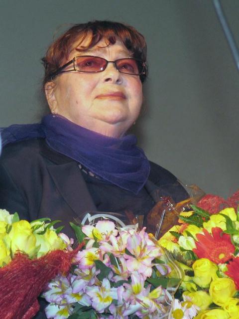 Звезда фильма «Любовь и голуби» Нина Дорошина прикована к кровати