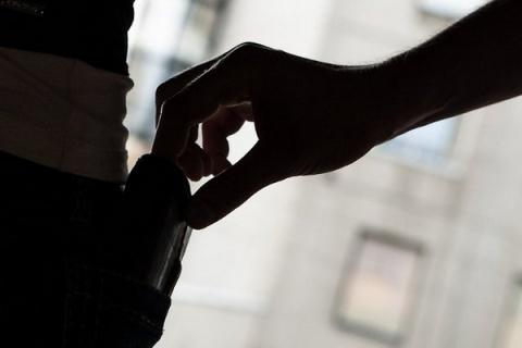 15 трюков карманников, которые незаметно обведут вас вокруг пальца