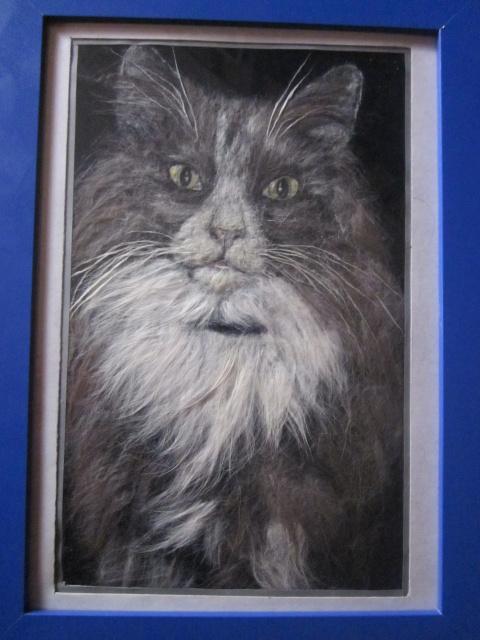 портрет кота из собственной шерсти