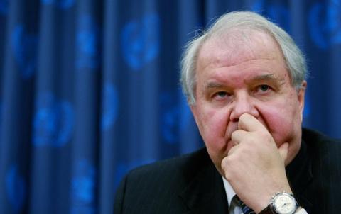 Российский посол Сергей Кисляк покидает США