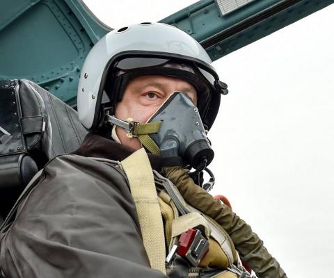 Сбитый сирийский самолёт и «сбитый лётчик» Порошенко. Андрей Князев