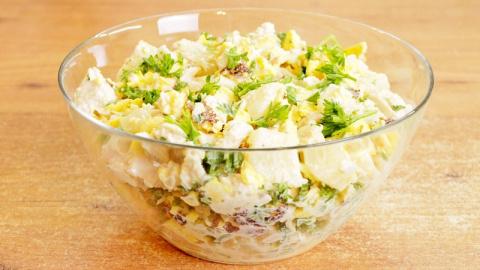 Салат с омлетными блинчиками…