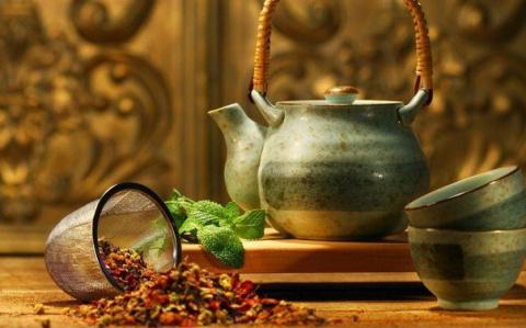 Полезные добавки в чай, делающие его лечебным эликсиром