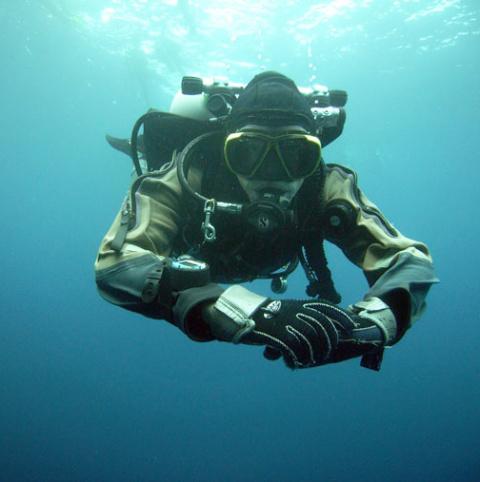 Российский подводный спецназ схлестнулся под водой с неизвестными 3-х метровыми пришельцами
