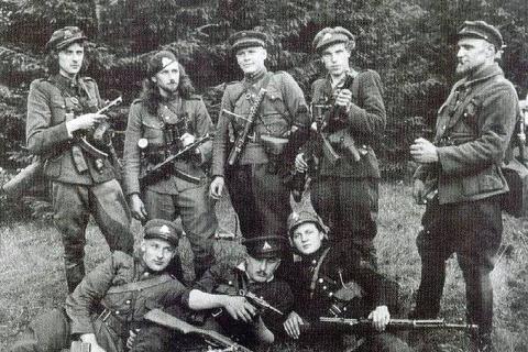 Зачем Литва героизирует пособников нацистов