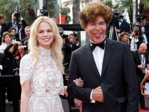 Изуродованный пластикой телеведущий Игорь Богданов показал красавицу-жену