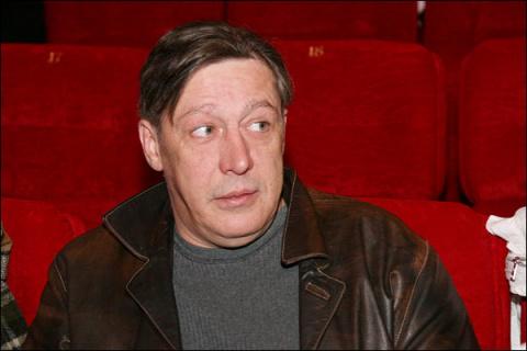 """Михаил Ефремов высмеял Кремль в стихотворении: """"Если нынче хорошо, то что такое плохо"""""""