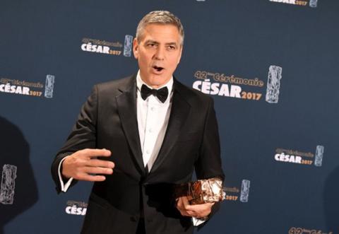 Джордж Клуни продал производство текилы за $1 млрд