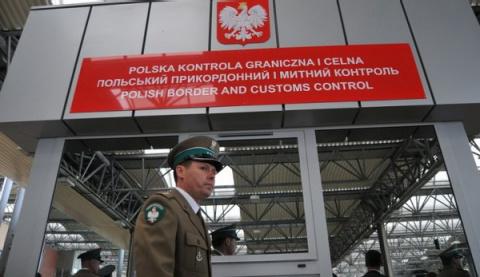 За Бандеру: Польша перекрыла путь в Европу для грузов с Украины