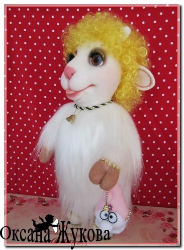 Новогодняя овечка.