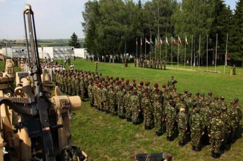 НАТО на Балканах: Македонию обучат американские военные. Ася Зуан