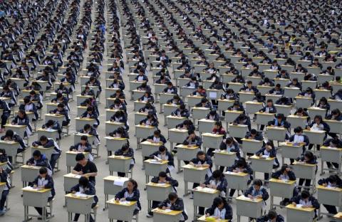 22 будоражащих фото, показывающих, как много людей живет в Китае