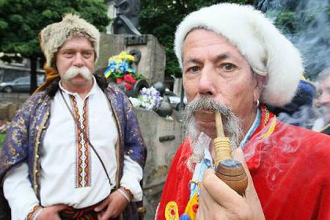 Сербия и Беларусь попросили украинцев не лезть к ним со своим уставом
