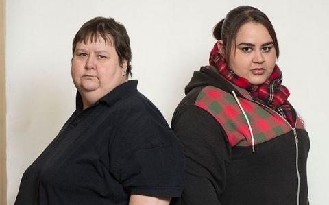 Мать и дочь специально набрали по 140кг, чтобы не работать и получать деньги от государства