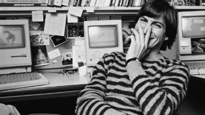 Apple почтила память Стива Д…