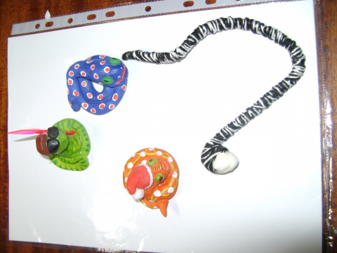 мои змейки из теста и одна из ниток.