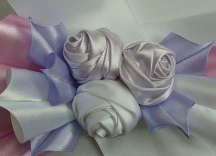Прекрасная роза из атласной ленты