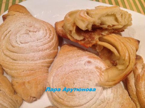 Бадамбура. Азербайджанская сладкая выпечка.
