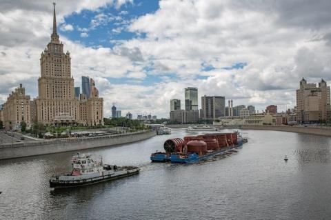 Московский НПЗ получил колонну вакуумной перегонки нефти для строительства установки Евро+
