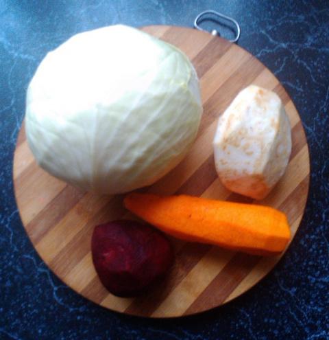 Оригинальная вкусная квашеная капуста с овощами