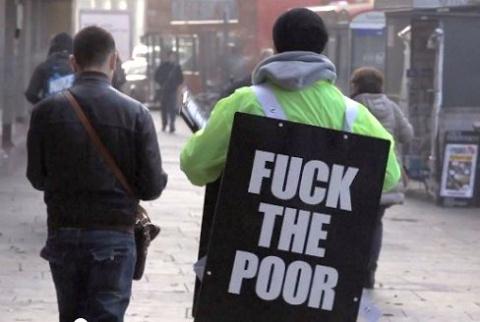 Британцев призвали послать бедных