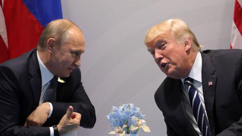 Бред американских СМИ: 40 минут Трамп допрашивал Путина