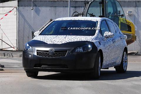 Новое поколение Opel Astra засняли фотошпионы