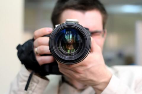 Как правильно сфотографировать, чтобы дамы в кадре не получились толстыми