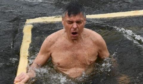 Посол США в России искупался…