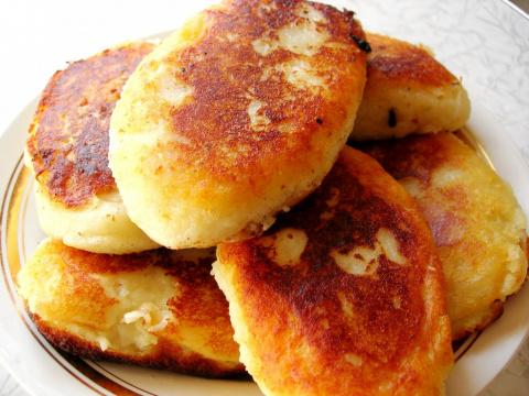 Картофельные пирожки с сосис…