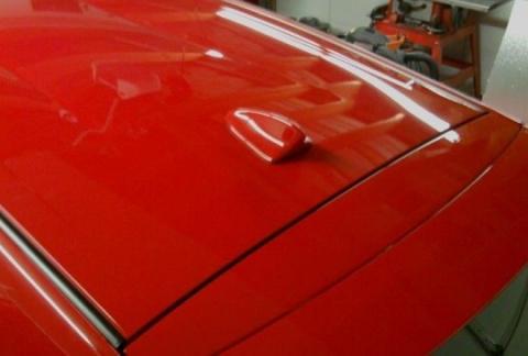 Почему на крыше автомобиля плавник?