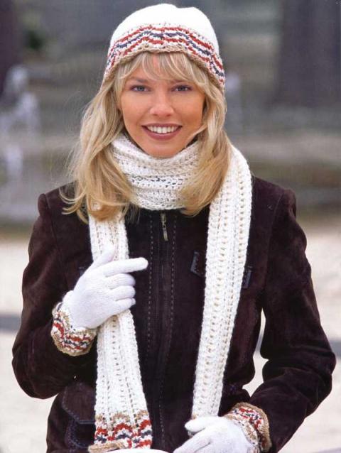 Шапка, шарф, перчатки.