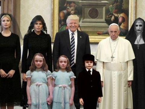 Смешные мемы, заполонившие интернет после неловкой встречи Дональда Трампа с Папой Римским