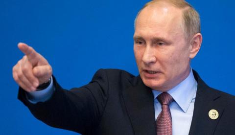 Путин поручил подготовить экономику к переходу на военные рельсы
