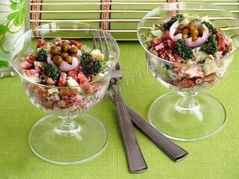 Обалденный салат с сухарикам…