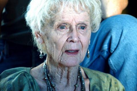 Вы помните пожилую Розу из «Титаника»? Вот какой она была в молодости…