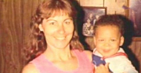 27 лет назад она усыновила э…