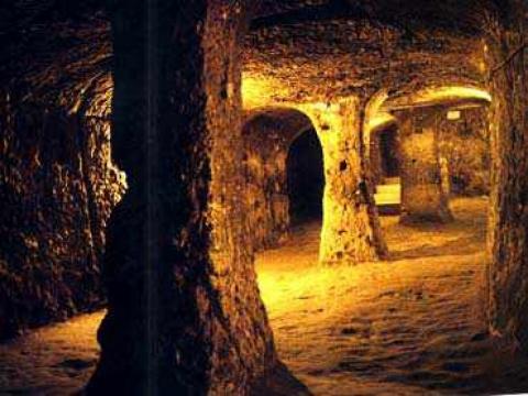 Древние подземные убежища.
