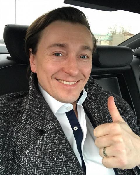 Сергей Безруков впервые выше…