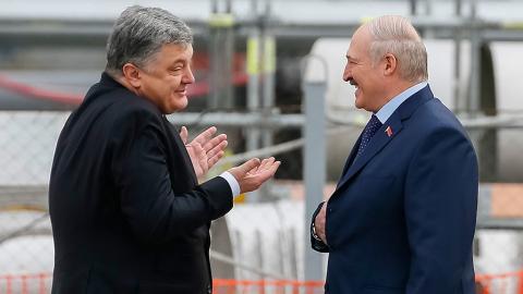 Лукашенко похвалил «западенцев» и призвал к миру в «братской Украине»