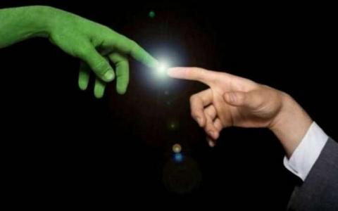 Конца света не будет, а вот встреча с инопланетянами - да