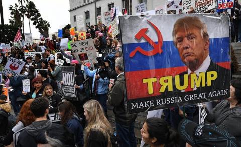 Пока Белый дом в хаосе, Путин продолжает выигрывать