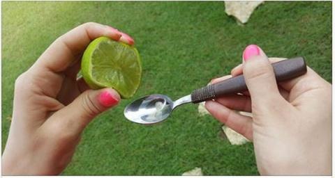 Смешайте сок 1 лимона (или л…