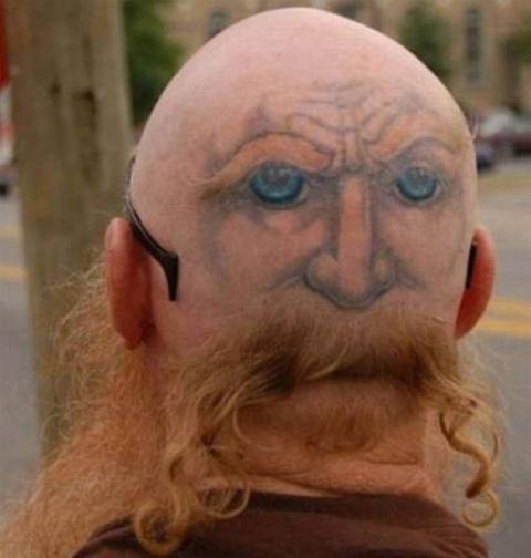 Смешные и причудливые татуир…