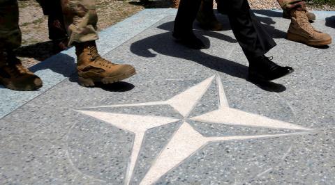 Расширение НАТО за счет Балкан представляется неизбежным