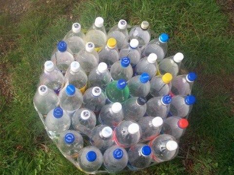 пуф из пластиковых бутылок