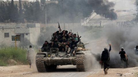 Восстание в Сирии: Горожане внезапно атаковали боевиков, не дав им напасть на Армию (ВИДЕО)