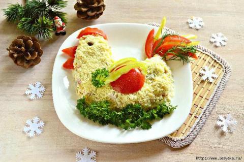 """Салат """"Петушок"""" на Новый год 2017! Отличная закуска - чипсы из лаваша с сыром"""